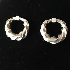 Jewelry - Beautiful sterling silver stud hoop earrings 925